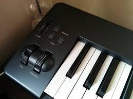 alesis q88 88 key usb midi controller sustain pedal keyboard stand