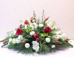 Image Table Decorations Published November 14 2017 At 1070 820 In 46 Totally Adorable White Christmas Floral Centerpieces Ideas Round Decor Totally Adorable White Christmas Floral Centerpieces Ideas 45