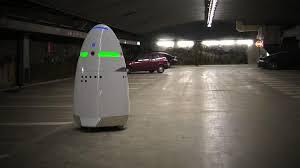 Роботы полицейские начали патрулирование Силиконовой долины РТ  Как рассказала одна из создателей проекта Стейси Стефенс принцип работы устройства заключается в том что робот направляет в контрольный центр все
