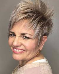 23 Simple Short Hairstyles For Older Women You Should Try It
