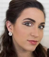 white eye liner