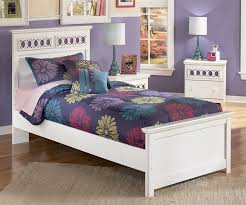 Zayley Panel Bed Twin Size