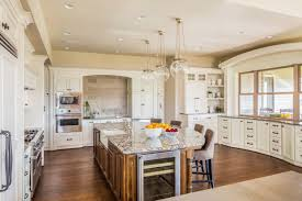 Refacing Cabinets Versus Getting New Cabinets - Kitchen Remodeling