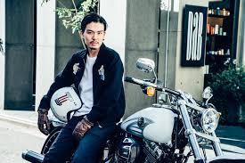 男性編ヘルメットを脱いだ後髪はどうすればいいバイク乗りなら誰も