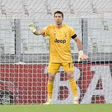 Live streaming final coppa italia 2020 antara juventus vs napoli dapat dilakukan melalui tvri pada kamis (18/6/2020) pukul 02.00 wib. Juventus Vs Napoli Coppa Italia Final How To Watch Black White Read All Over
