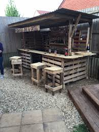 Decking Using Pallets Making The Ultimate Garden Bar Using Pallets O Pallet Ideas