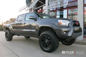 Toyota Tacoma with 18in Fuel Hostage Wheels exclusively from ...