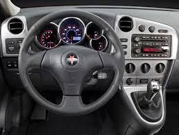 2006 pontiac vibe intellichoice review automobile magazine 369 0509 dashz review 2006 pontiac vibe 2006 pontiac vibe front dashboard view