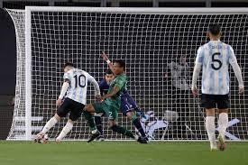 WM-Qualifikation: Messi hängt mit ...
