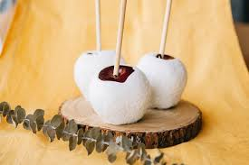 snow white candy apples