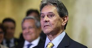Roberto Jefferson acusa Rodrigo Maia de tramar um 'golpe parlamentarista'