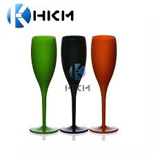 white color wine glasses whole plastic glass stemless with lid and straw
