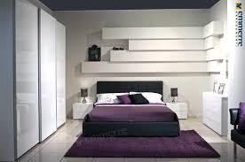 Camere Da Letto Salvaspazio : Camera da letto moderna piccola le mensole per la