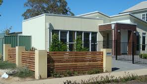 Decorations:Exterior Modern Timber Fence Design Stepped Exterior Modern  Timber Fence Design Stepped