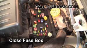 replace a fuse 2001 2010 chrysler pt cruiser 2007 chrysler pt 6 replace cover secure the cover and test component