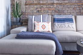Tour a 400-square-foot Artsy Chicago Mini Loft | Living rooms ...