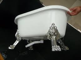 small acrylic clawfoot tub