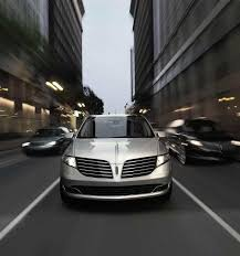 2018 lincoln iced mocha. interesting lincoln the 2018 lincoln mkt shown in ingot silver is being driven on a busy city  street for lincoln iced mocha
