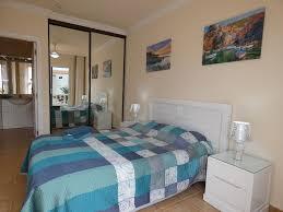 Schöne Zwei Schlafzimmer Zwei Badezimmer Wohnung In Der Nähe Des