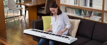 Обзор ультра-<b>фортепиано Yamaha NP</b>-<b>12</b> + сравнение с NP-11