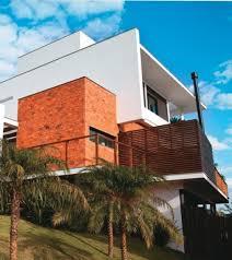 Tudo sobre os modelos de tijolos aparentes mais atuais, veja as opções da brick studio, lepri, palimanan, pasinato, passeio, portobello. 10 Modelos Fachadas Com Tijolo Colonial E Paredes Internas