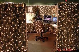Christmas office themes Unique Related Post Areavantacom Christmas Office Decorations Top Office Decorating Ideas Celebration