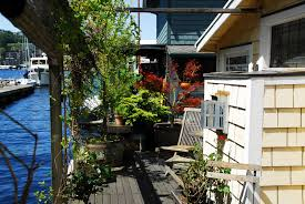 Houseboats In Seattle Seattle Houseboats For Sale Current Real Estate Market On Lake