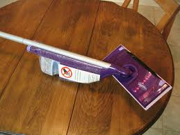 picture of disemble a swiffer wetjet mop