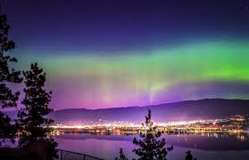 Northern Lights Ltd Vancouver Northern Lights Effect Caught Dancing Over Penticton