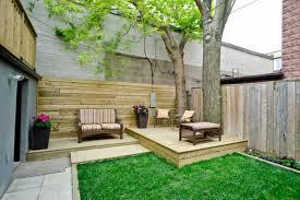 design pretty deck in a small yard