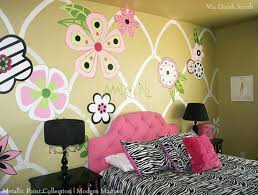 Girls Room Mural with Metallic Paint | Modern Masters Cafe Blog | Artist:  Dinah Smith
