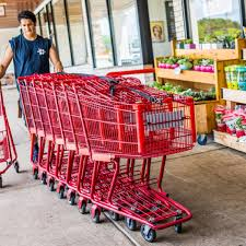 the truth about what trader joe s crew members get paid reader s digest