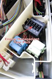 bmw engine electronics fuse pack in underhood e box, e46, e39 how to open the fuse relay box 1998 suburban at How To Open Fuse Relay Box