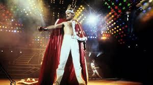 Skillful, charismatic, and flamboyant vocalist who achieved global fame as the frontman with british rockers queen. Freddie Mercury Warum Sein Unfassbares Leben Heute Nicht Mehr Moglich Ware Stern De