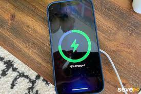 Có nên sạc pin iPhone qua đêm không ? - SEVE7.VN