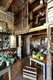 italian farmhouse style kitchen