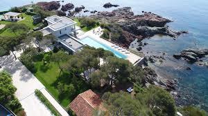 villa de luxe pieds dans l eau entre cannes et saint tropez