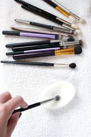 how to clean makeup brushes quick easy