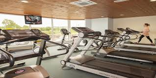jacuzzi r swimming pool r gym 1 r gym treadmills r