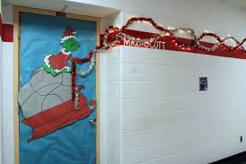 grinch christmas door decorating ideas. Plain Ideas Christmas Door Decorating Contest Ideas Lovely Grinch  Decoration Idea Of On O