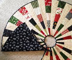 Friday Spotlight: Georgi's Most Beautiful Christmas Tree Skirt  SewCanShe  | Free Sewing Patterns for Beginners