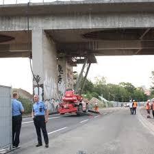 Het viaduct bestaat uit twee parallelle overspanningen. 68a4e0rhnnoi4m