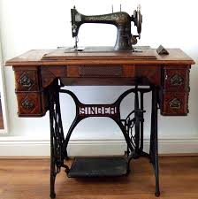 Singing The Praises of my Singer Sewing Machine Table | Bon Apartment