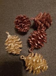 Weihnachtsdeko Kugeln Tannenzapfen Christbau