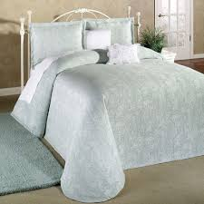 full size of bed bath the best comforter best year round down comforter inexpensive