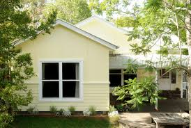 Yellow Weatherboard Front Country Home Facades Pinterest - House exterior colours