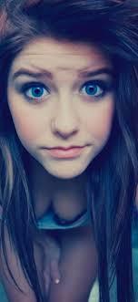 1125x2436 Blue Eyes Cute Teen Girl ...