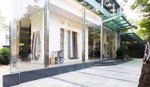 d decor s flagship store in bandra design pataki