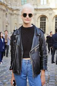 oversized leather jacket autumn looks 15