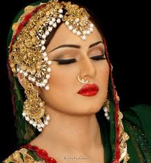 bridal wedding makeup look and jewelry